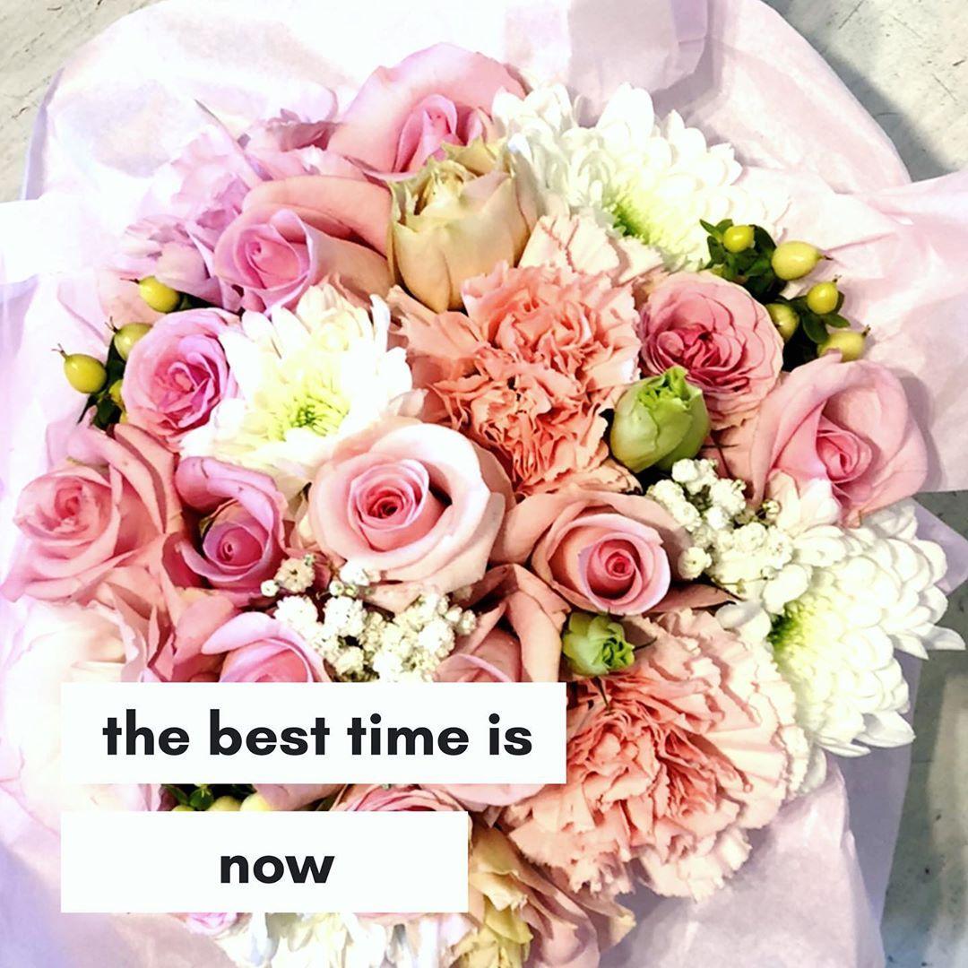 Flowerbox To Swietna Propozycja Na Prezent Lub Dodatek Do Upominku Dla Mamy Siostry Zony Przyjaciolki Dziewczyny Szefowej Floral Wreath Floral Wreaths