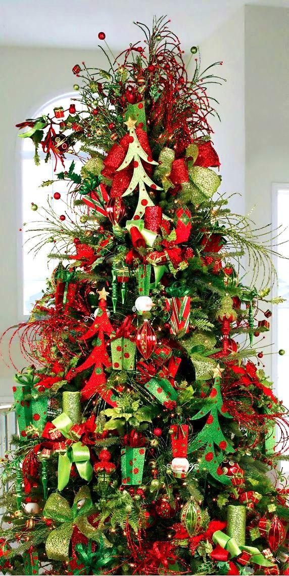 Christmas Tree Decorations Red Green Ornaments Tonik Dℯck ʈհe Haŀŀs Diy Craft Whimsical Christmas Trees Holiday Christmas Tree Christmas Tree Decorations