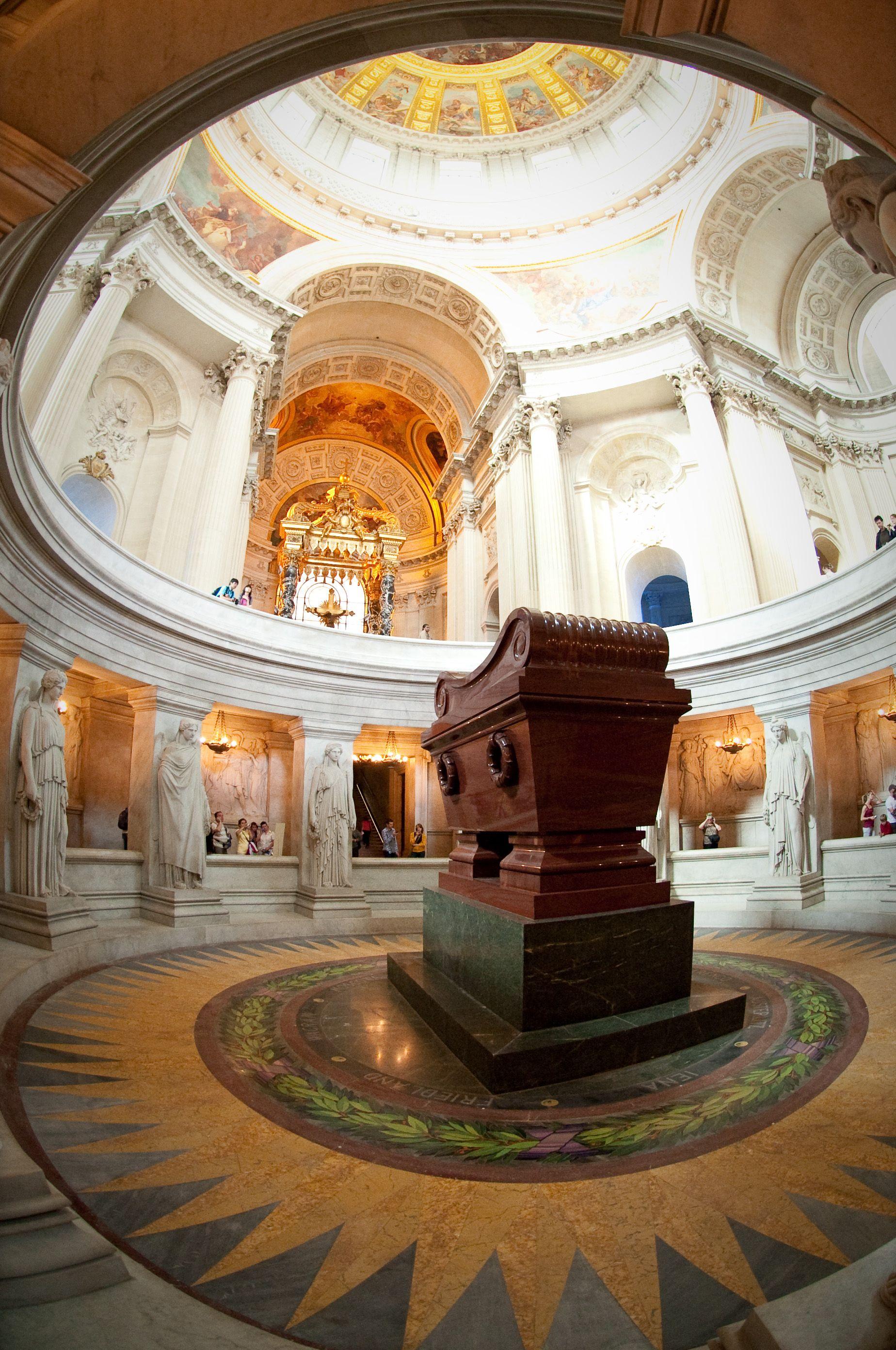 Tomb Of Napoleon Bonaparte In Crypt Des Invalides