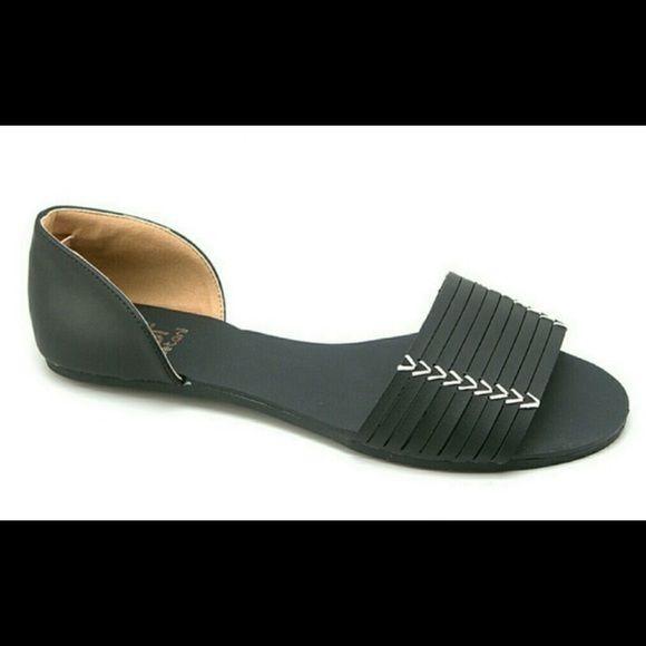 Black Sandals Worn twice Shoes Sandals