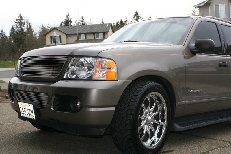 2004 Ford Explorer Custom Grill & Rims Ford suv, Ford