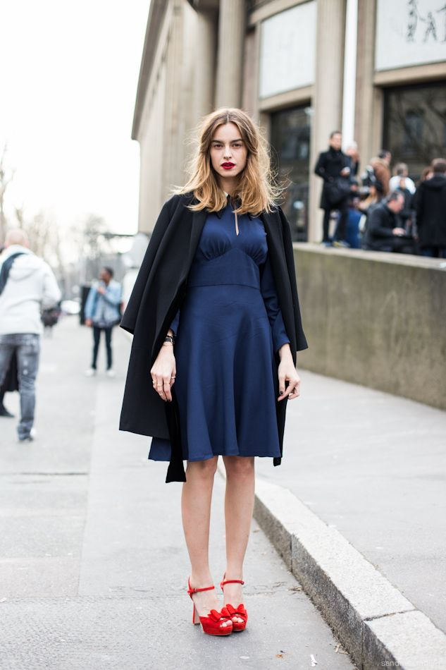 cf6855226f4  fashion  woman street  style  outfit  blue  dress  red  sandal  shoes  look