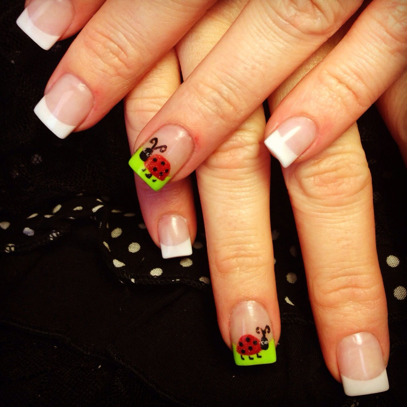 Ladybug Nail Art. Loving the simplicity of this design. | x LADYBUGS ...