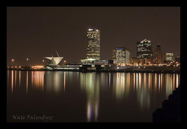 Milwaukee Skyline And Lake Michigan Pinterest