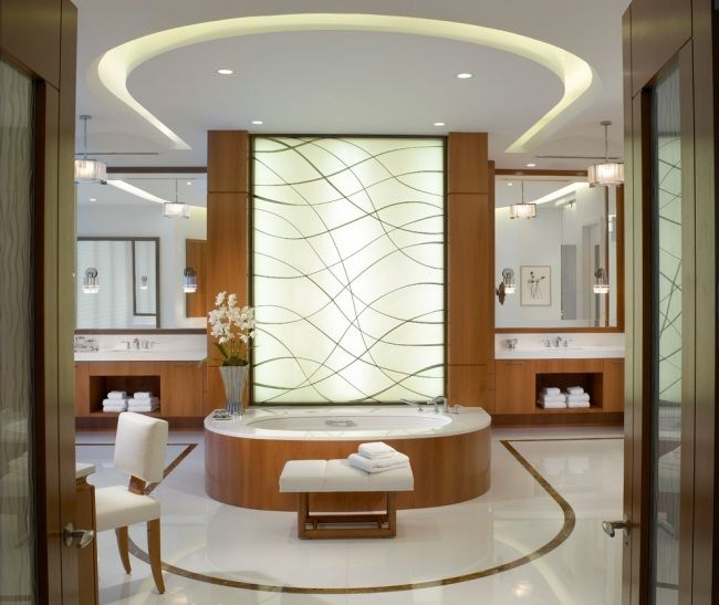 led beleuchtung badezimmer indirekt holzmöbel badewanne bini