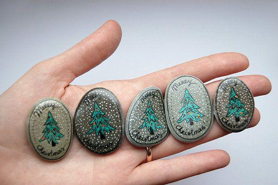 set of 5 christmas rocks flusssteine pinterest steine weihnachten und steine bemalen. Black Bedroom Furniture Sets. Home Design Ideas