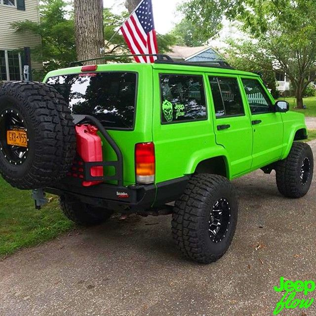 Check Out This Clean Xj From Hulkxj He Just Got His Brand New Lime Green Jeepflow Decal Xj Jeep Jeeps Limegreen Jeep Cherokee Jeep Cherokee Xj Green Jeep