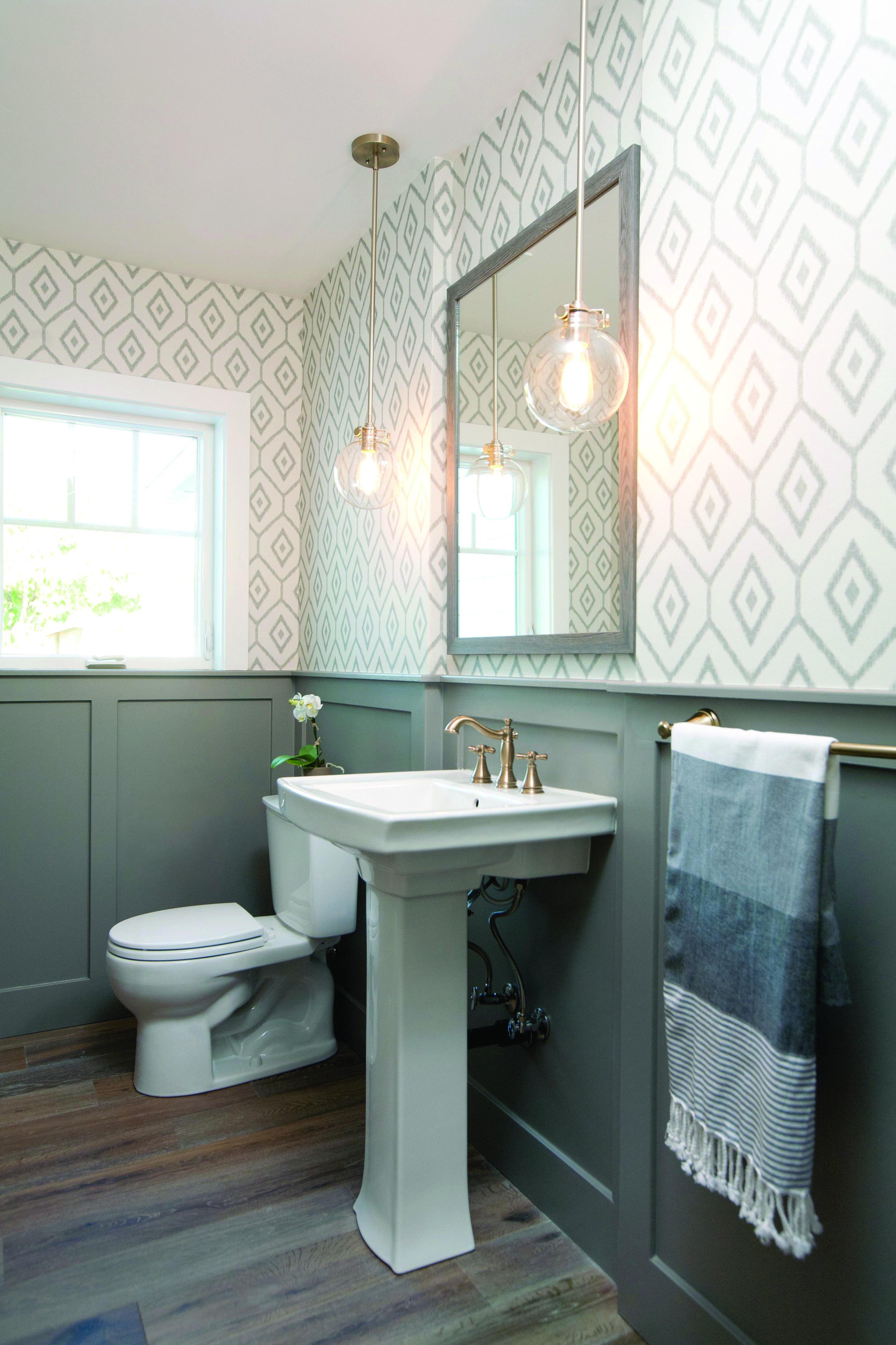 10 Paint Color Ideas For Small Bathrooms With Images Modern Farmhouse Bathroom Farmhouse Bathroom Decor Farmhouse Bathroom