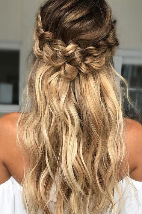Braided Wedding Hair Loose Curls With Twisted Braid Beyond Braided Hairstyles For Wedding Loose Curls Hairstyles Long Hair Updo