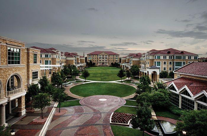 높은 명성에 걸맞는 '특화된 전문교육'  - Texas Christian University  세계적인 리더를 양성하기 위해 1873년 설립된 텍사스 크리스천 대학교(Texas Christian University, 이하 TCU)는 라이스 대학에 이어 텍사스 내 명문 사립대학으로 꼽히는 우수한 학교다.