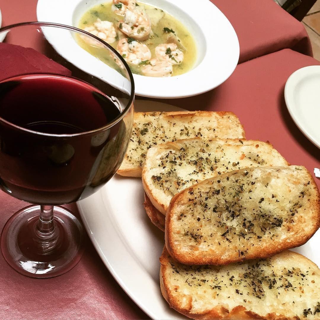 Villa Rosa Italian Restaurant Italian Choose Any Food From The Menu And Experience Consistently Excellent Taste At The Villa Food Italian Restaurant Foodie