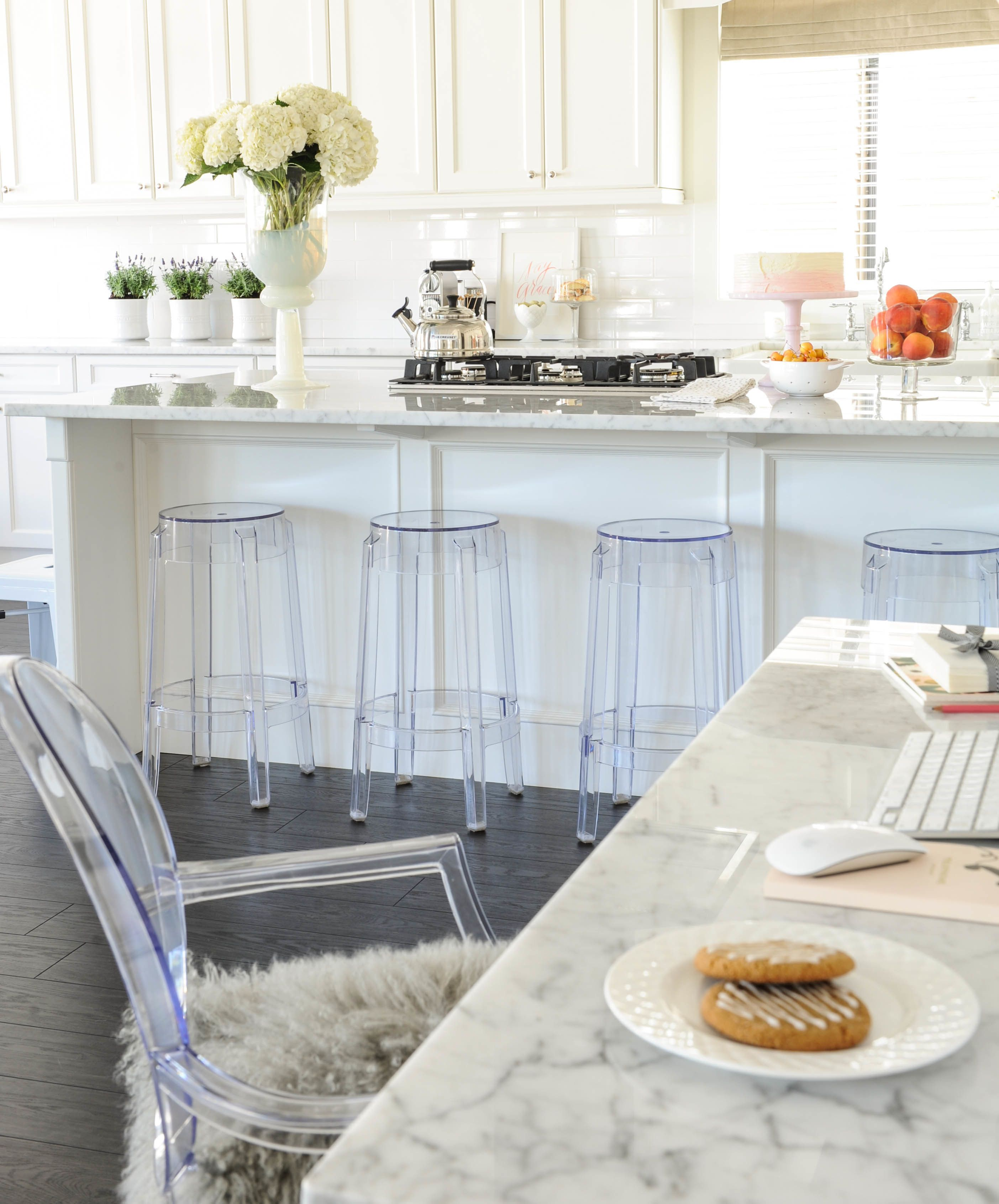 Neutrals + a Pop of Pink Win In this Blogger Home   Neutral kitchen ...