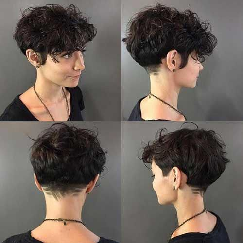 Curly Short Hairstyles For Stylish Women Short Curly Hairstyles Curlyhairstyles Short Wavy Hair Short Curly Haircuts Curly Hair Styles