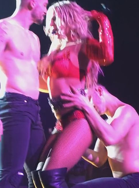 britney spears in a threesome
