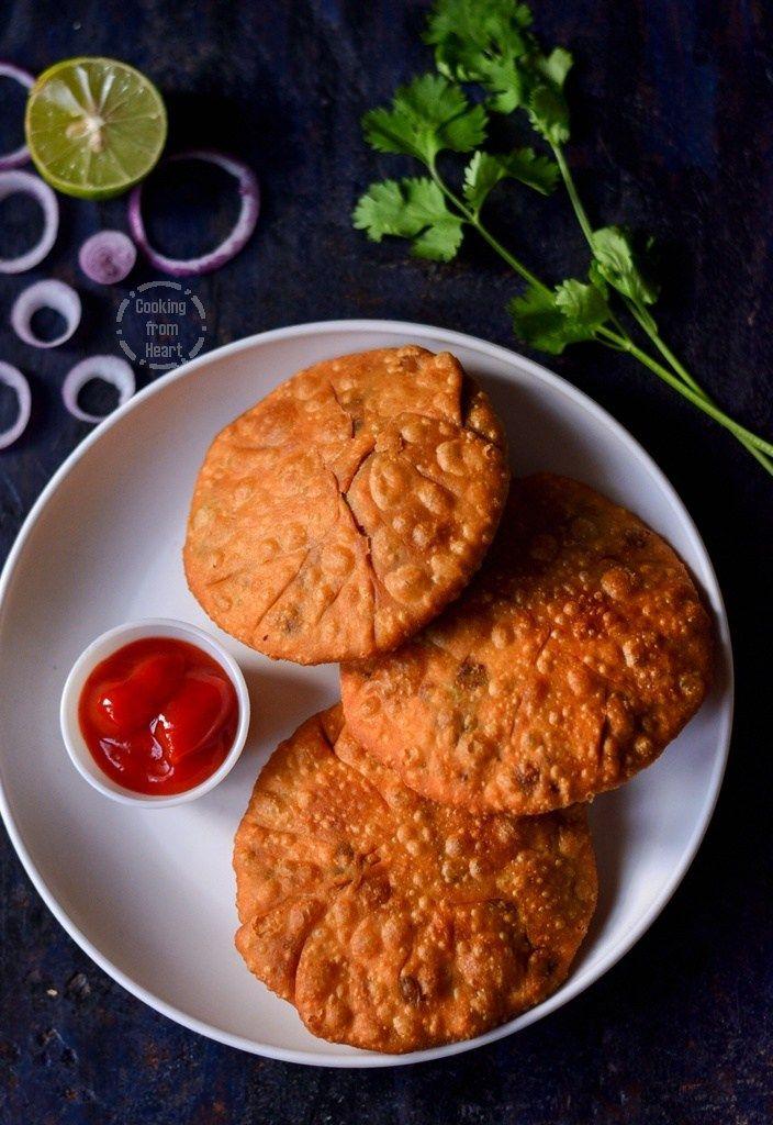 matar kachori chaat recipe food cooking on hebbar s kitchen kachori id=41045