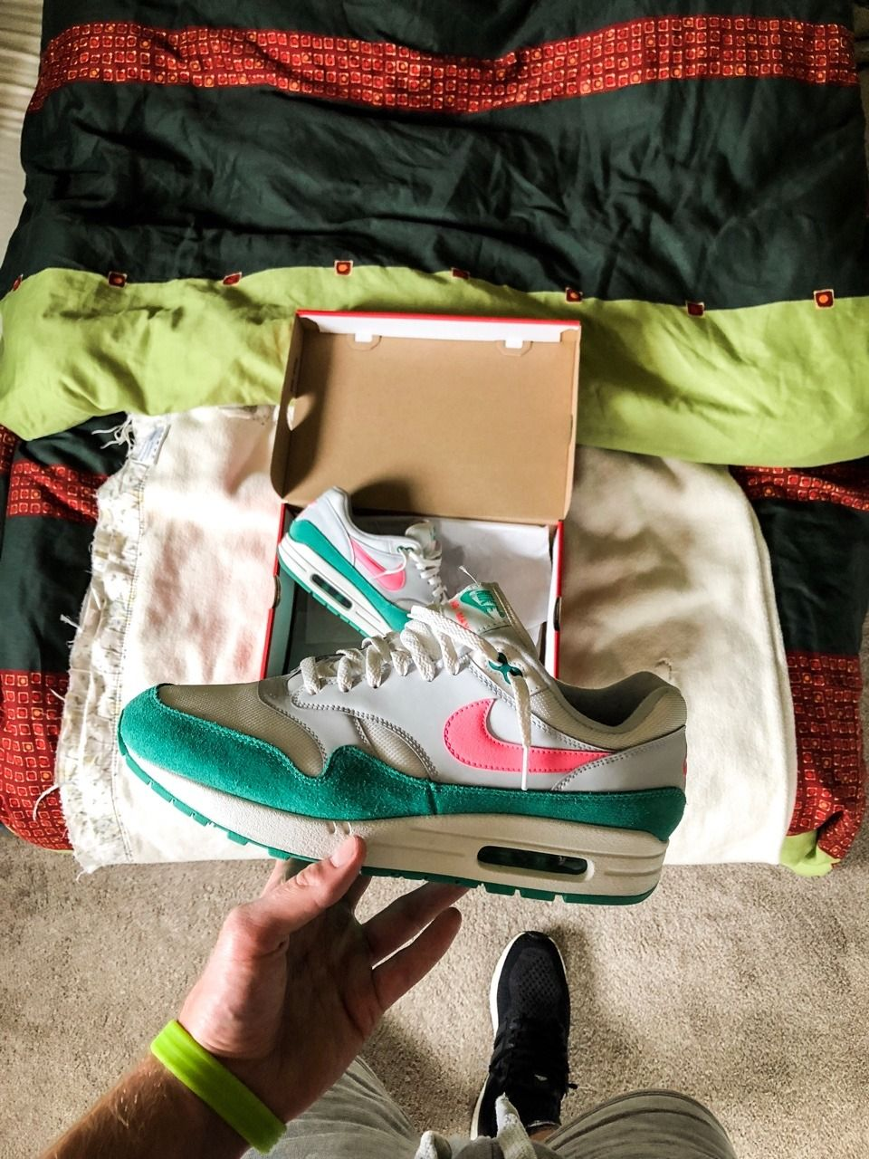 """311f16bd44 snkrwrld: """" LPU The Nike Air Max 1 """"Watermelon"""" looks so fresh 🍉💦 Do you  like it or not? Tell me why ⁉ """""""