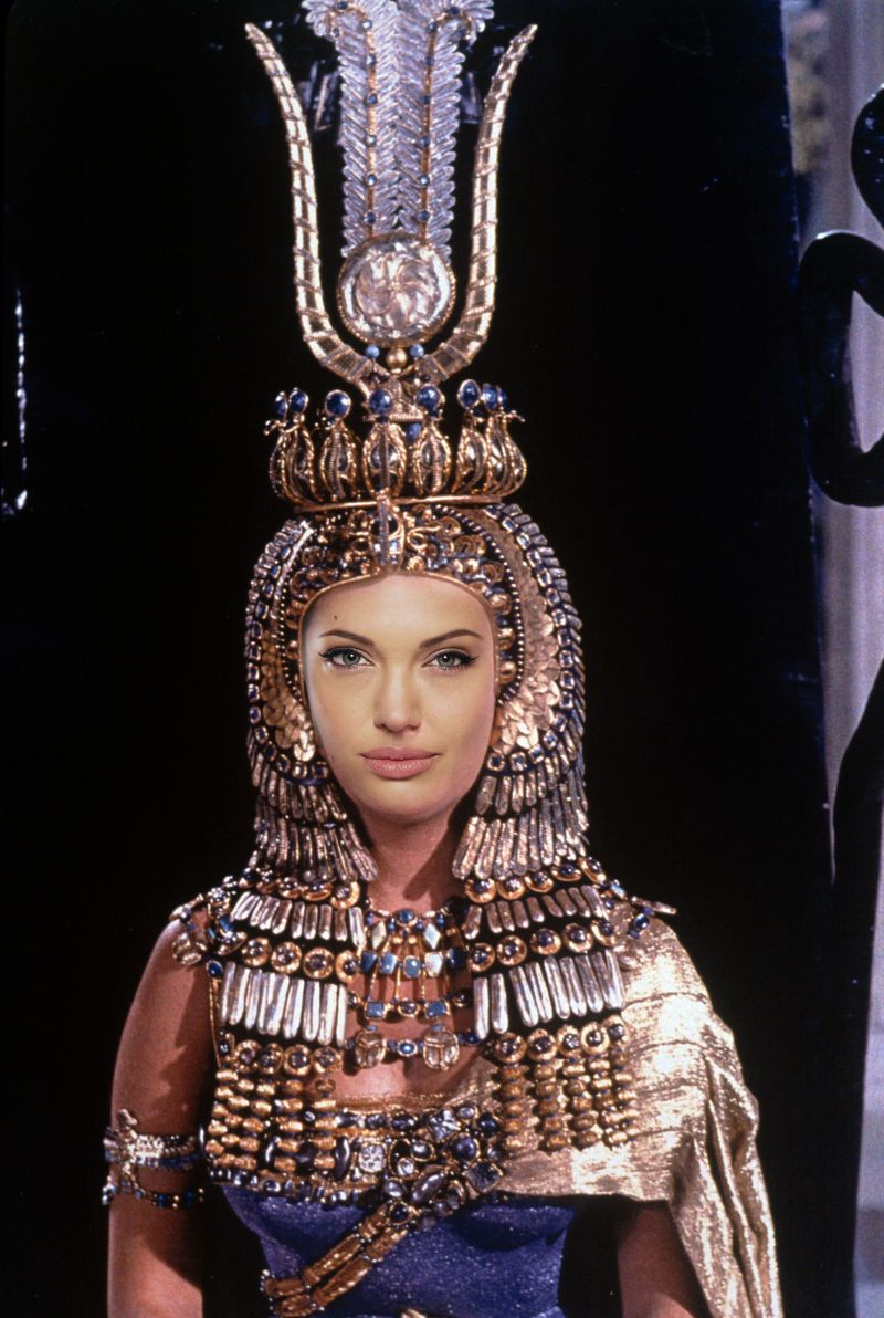 Jolie will play the role of Cleopatra 12.06.2010 43
