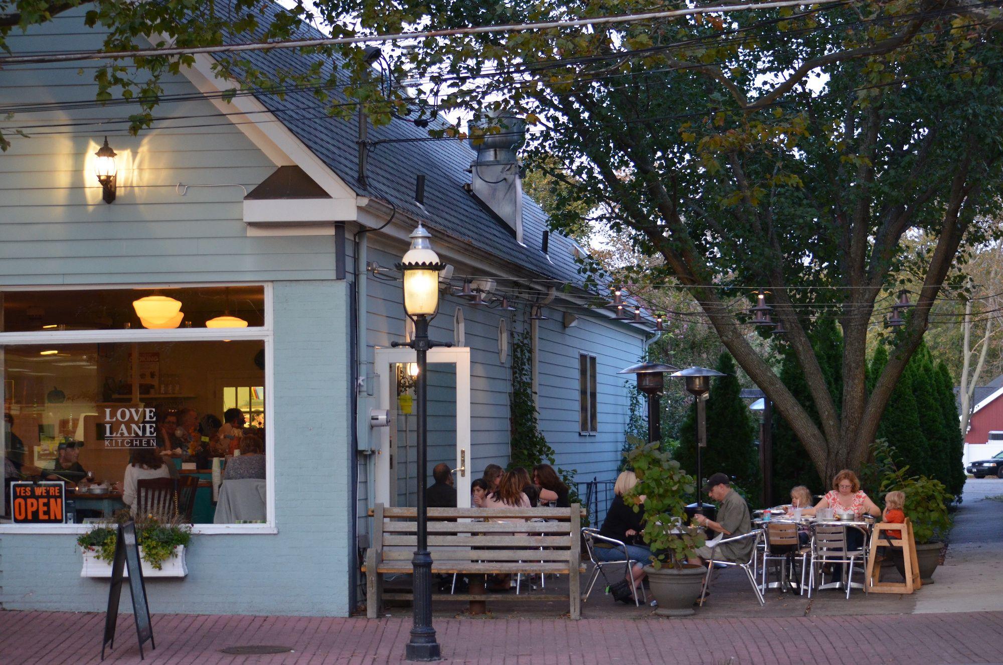 Enjoy Breakfast Outdoors At 5 Li Restaurants Long Island