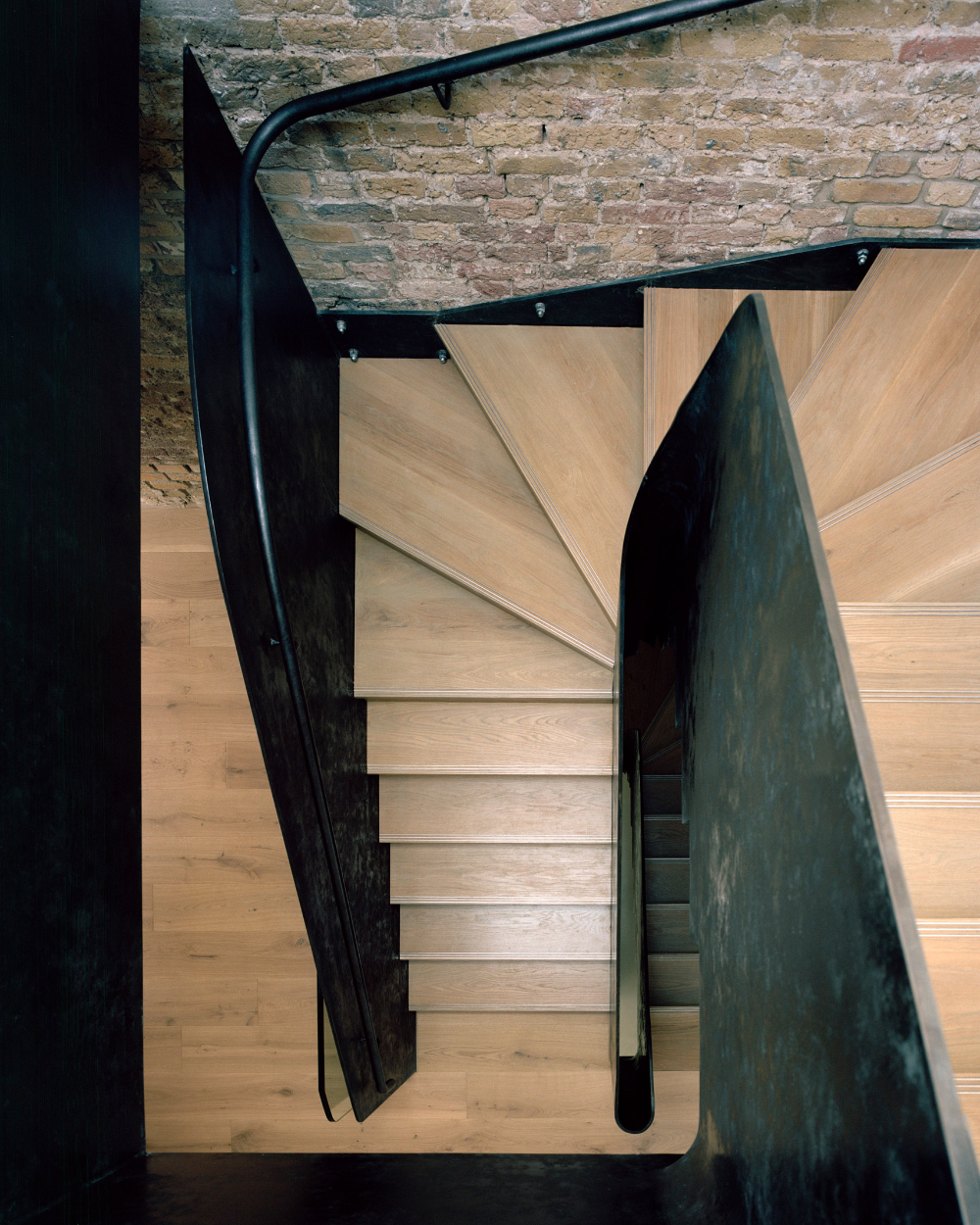 Abandoned London Warehouse Becomes Office At 9 Jeffrey's