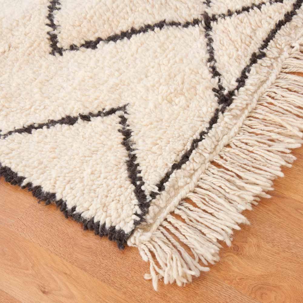 Beni Ouarain Teppiche Online Bei Www Milanari Com Teppich Teppich Design Berber Teppich