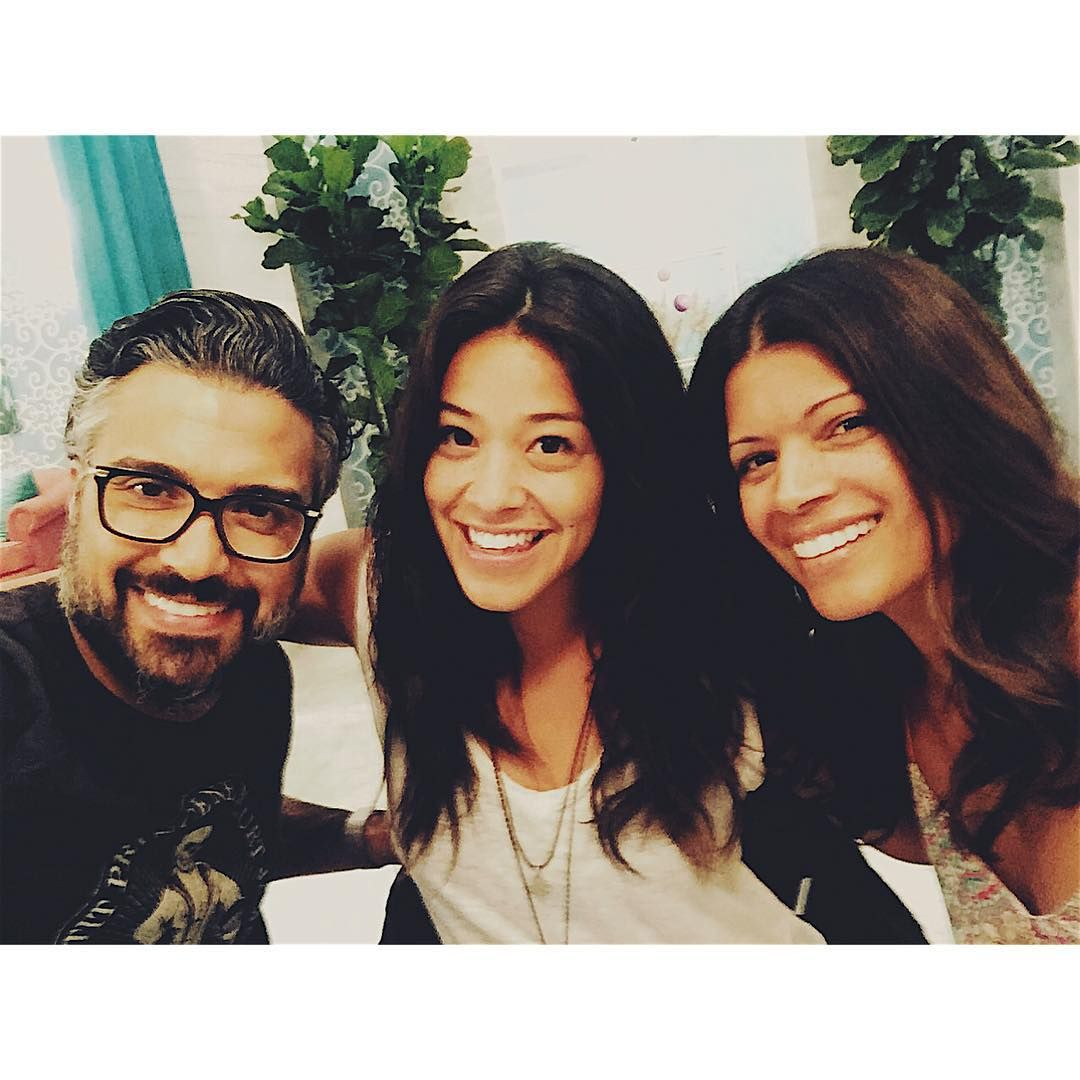 """And we are back! Season two of #janethevirgin with the most incredible, gorgeous and talented TV parents in the biz! Thank you @crest for giving me this…"""