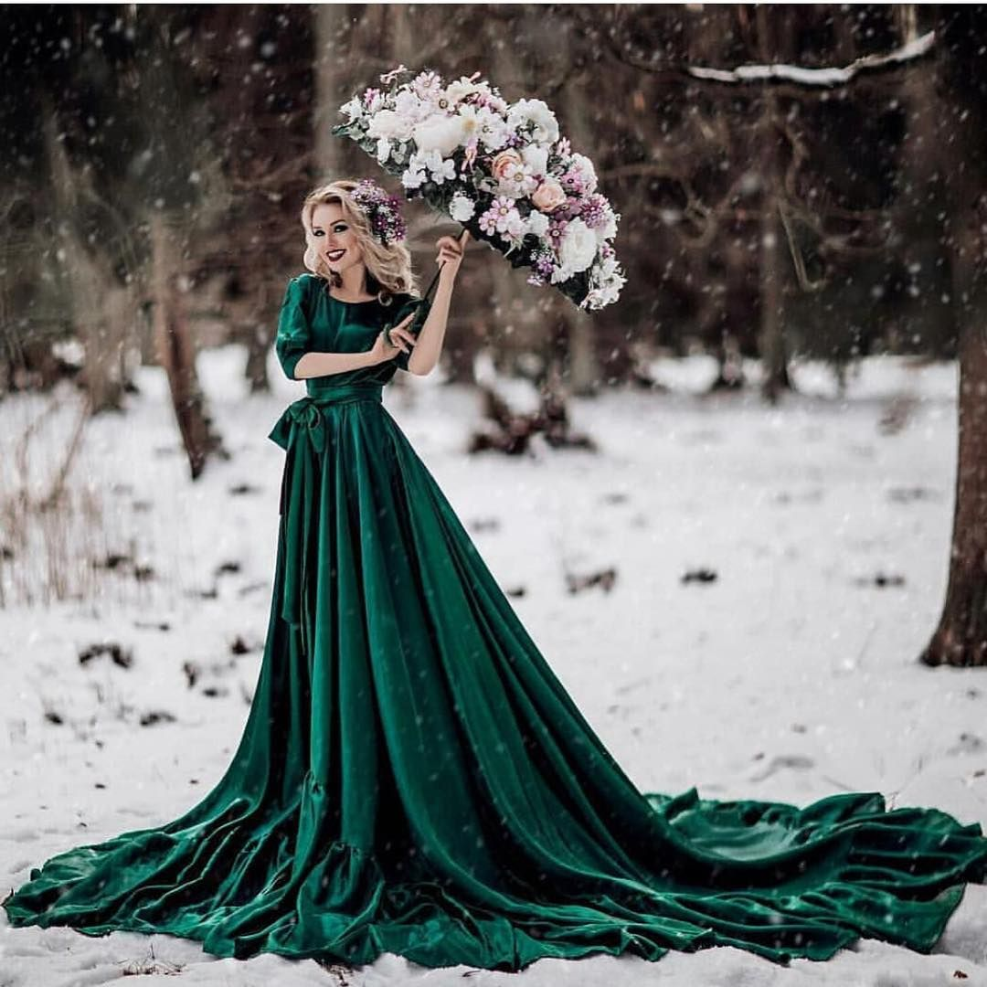Yes Or No This Dress Follow Us Fashion Girlstore Mode Luxus Gi Green Wedding Dresses Velvet Wedding Dress Backless Bridal Gowns [ 1080 x 1080 Pixel ]