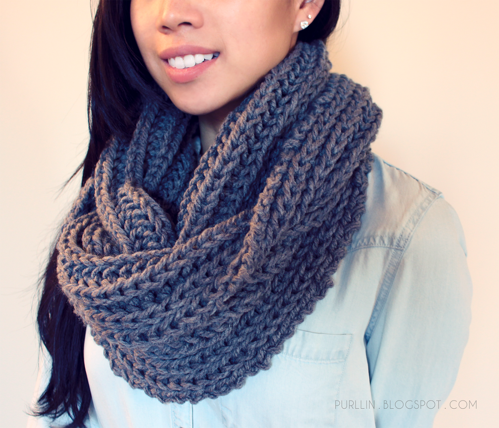 FREE easy beginner knitting pattern for a chunky knit grey infinity ...