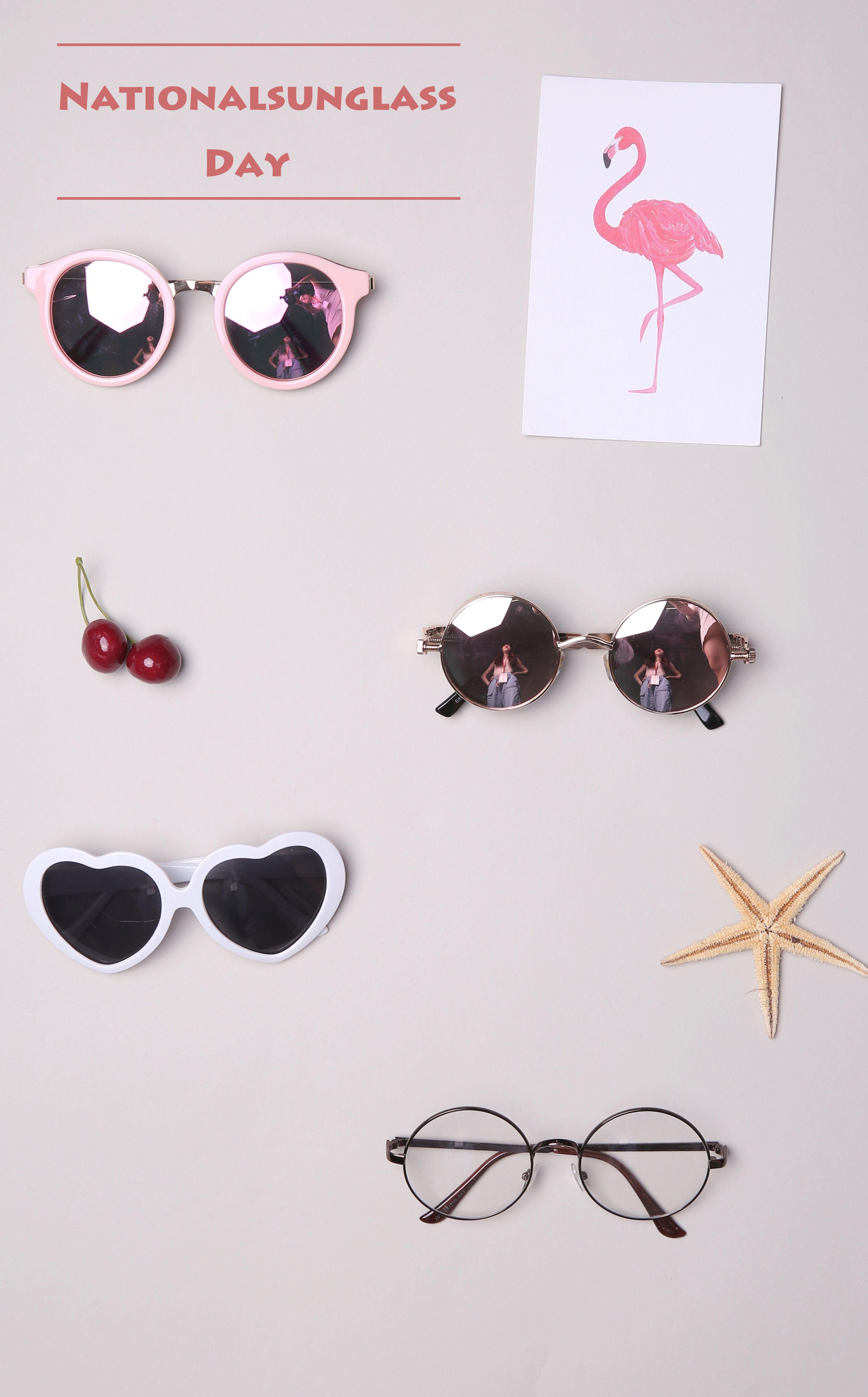 478a5733e0    3.86  Funny Retro Love Heart Shape Anti-UVA And UVB Sunglasses