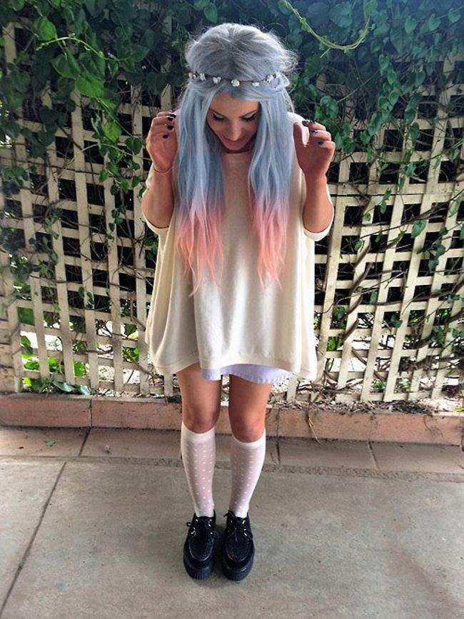 Hippish Pastel Goth Look with White Dress, Creepers and Long Blue Hair - http://ninjacosmico.com/25-pastel-goth-looks-inspire/5/
