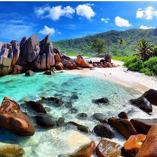 Seychelles Beach: Anse Cocos, La Digue, Seychelles.