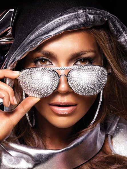 02c06ecf528 Jlo bling BABY OHHH AHHH!!! ONE DAY I WILL BE ABLE TO TAKE A PICTURE LIKE  THIS AND BE KOOL OH I HOPE OH!!!