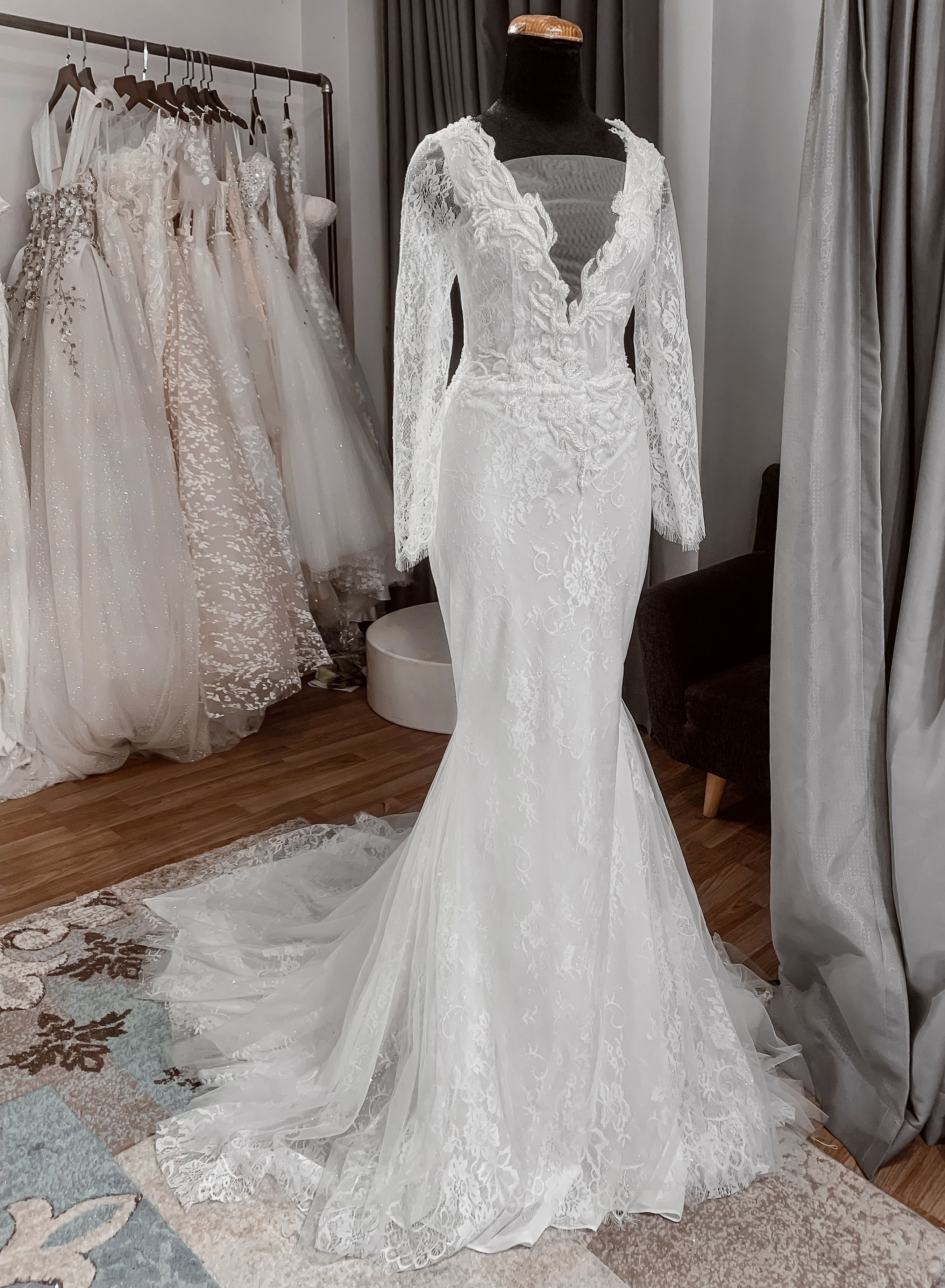 Wedding Dress With Long Sleeves Vintage Lace Bridal Gown Wedding Dresses Modest Bridal Dresses Lace Bridal Gown [ 3682 x 2702 Pixel ]