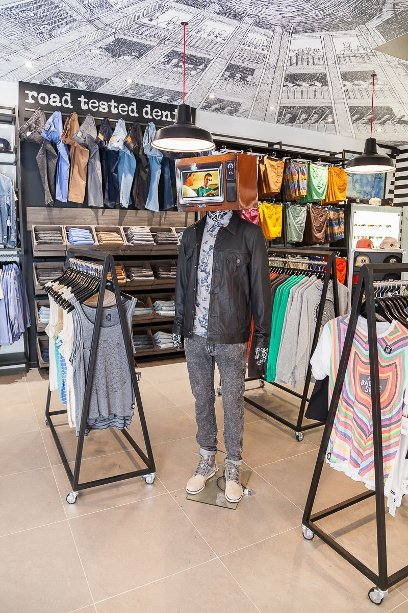 Agencement Magasin Pas Cher Mannequin Vitrine Modèle Homme Interactif Agencement Magasin