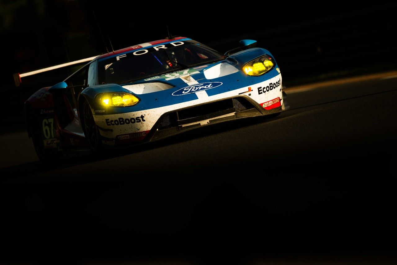Ford Gt Racing Program In 2016 Ford Gt Le Mans Ford Gt Ford Gt 2016