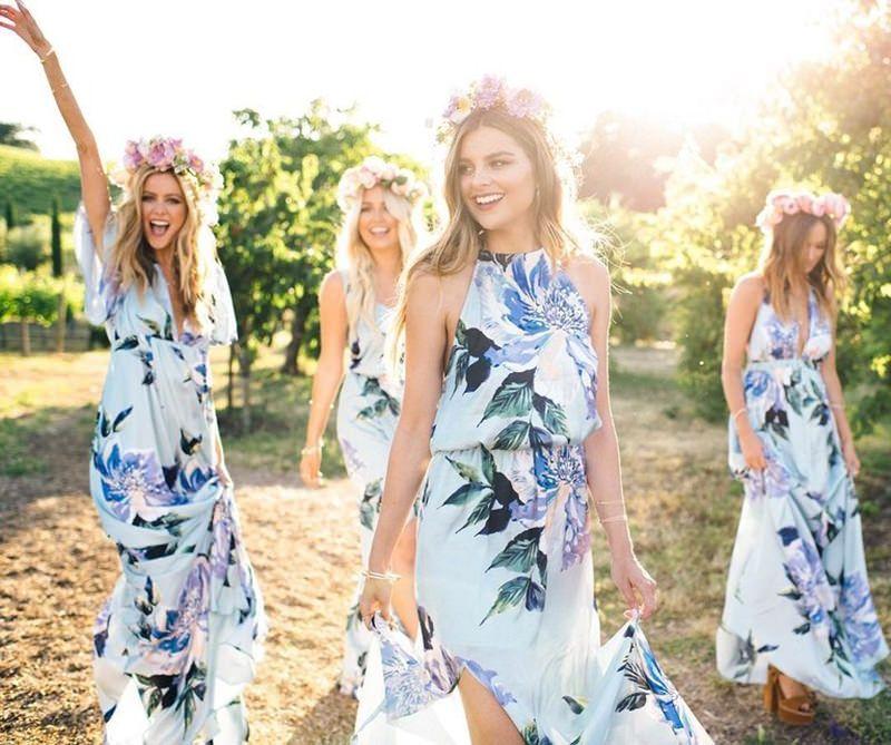Wedding Altar Groomsmen: 15 Ideias De Vestido Floral Para Madrinhas De Casamento