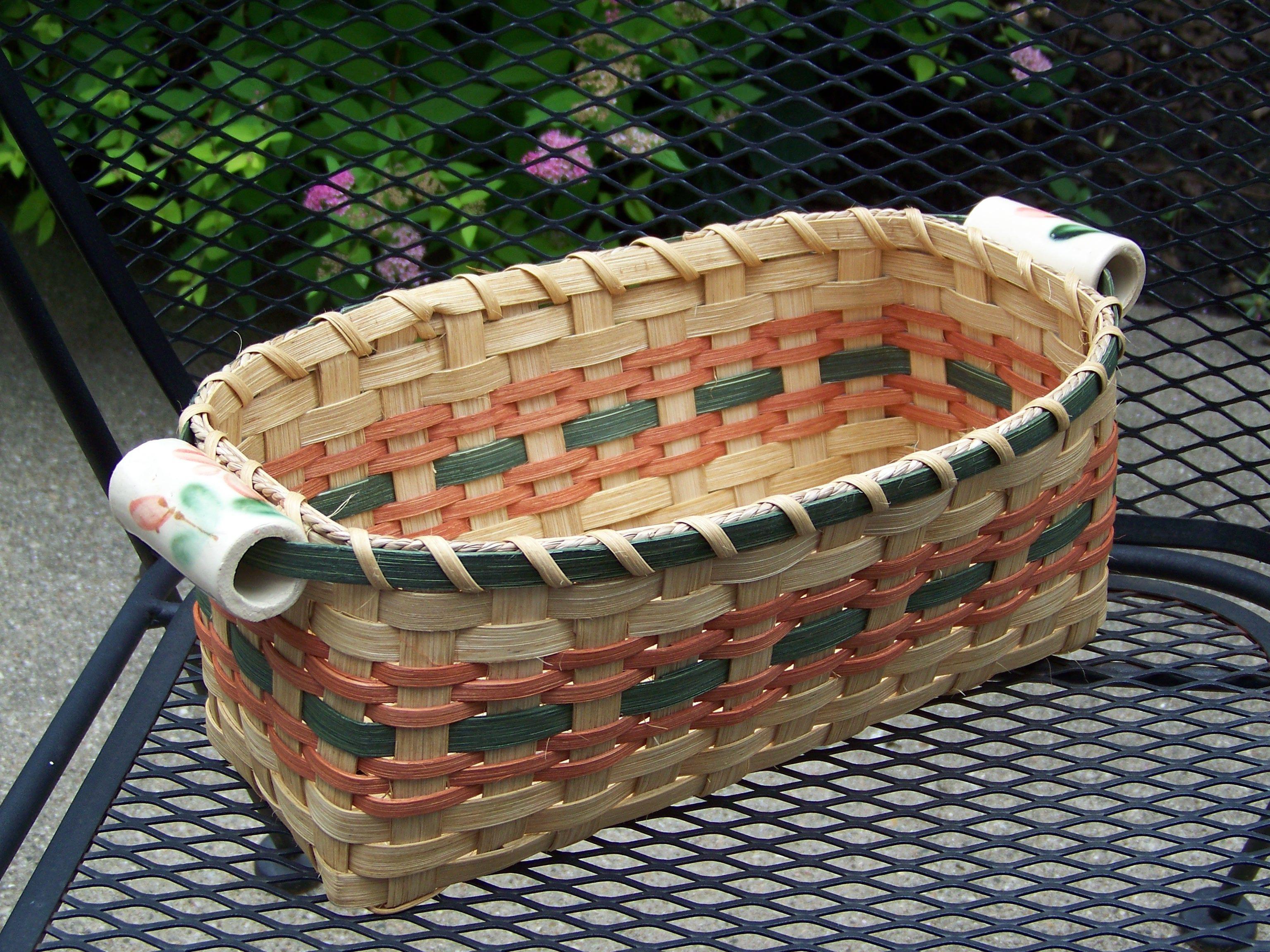 Bridal shower gifthas ceramic handles picnic basket