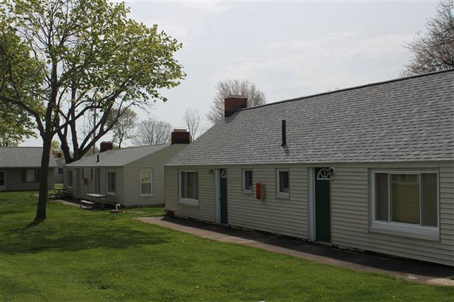Beach Cliff Lodge Cottages Port Clinton Ohio