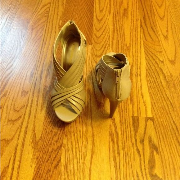 Beige/Nude Never Worn-Classy shoes with back zip! These high-heal platform shoes are so comfortable! They look great with a pair of jeans or a skirt/dress! Brand new/never worn! Shoes
