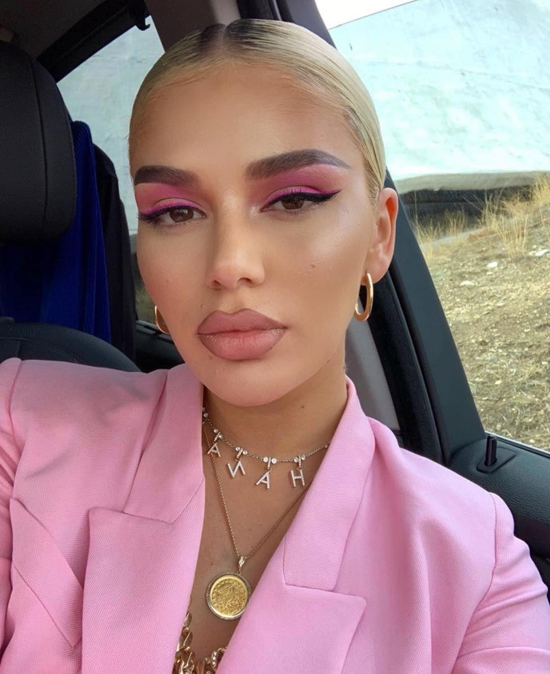 "Photo of Dafine Neziri on Instagram: ""Makeupbydafinè @loredana"""