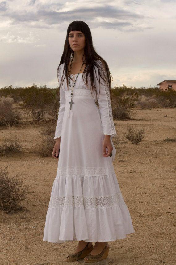 Gorgeous Boho White Hippie Wedding Gown Uh No This Looks Like