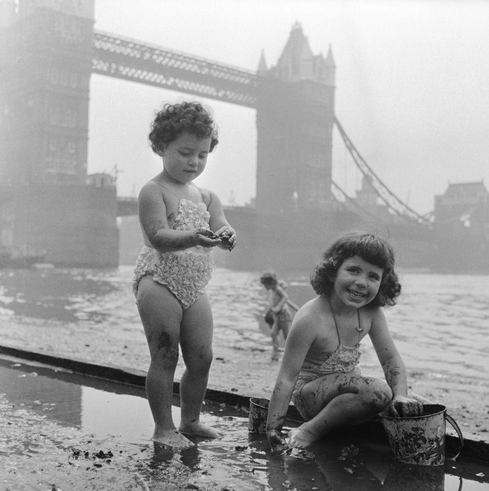 Nudist girls playing