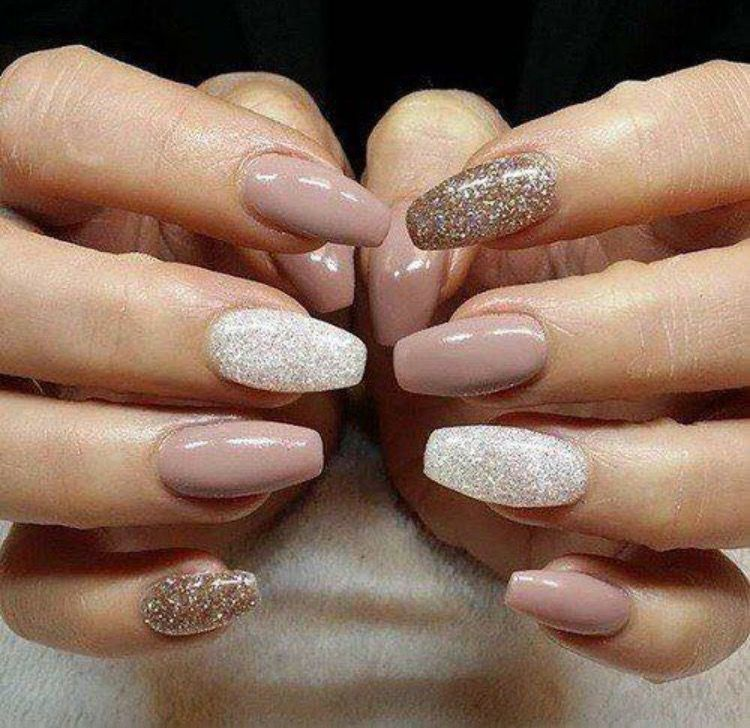 While Fall nail designs are all about burgundy and burnt-orange palettes,  Winter is shades of dark and light grey, subtle sparkles, and nudes ombred  with ... - Pin By Emilija On Nagučiai Pinterest Wedding Manicure