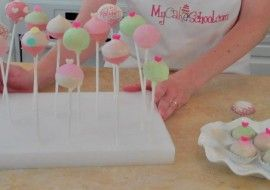 Learn to make beautiful cake pops and cake truffles in this My Cake School video tutorial!