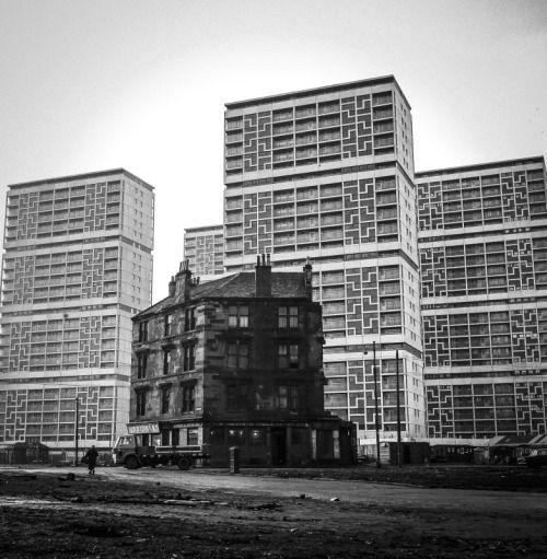 Last one standing. Gorbals Glasgow 1968. Fotograaf: Oscar Marzaroli.