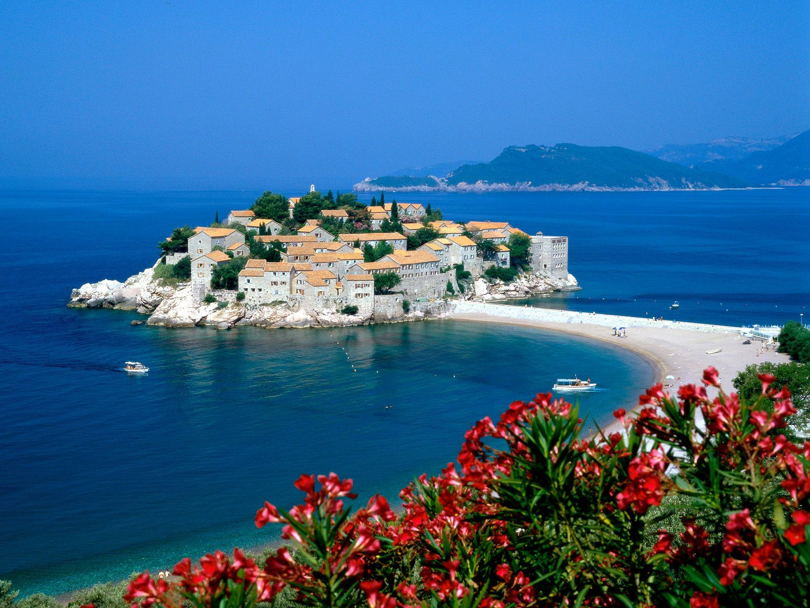 Sveti Stefan, Montenegro: description, attractions and interesting facts 81