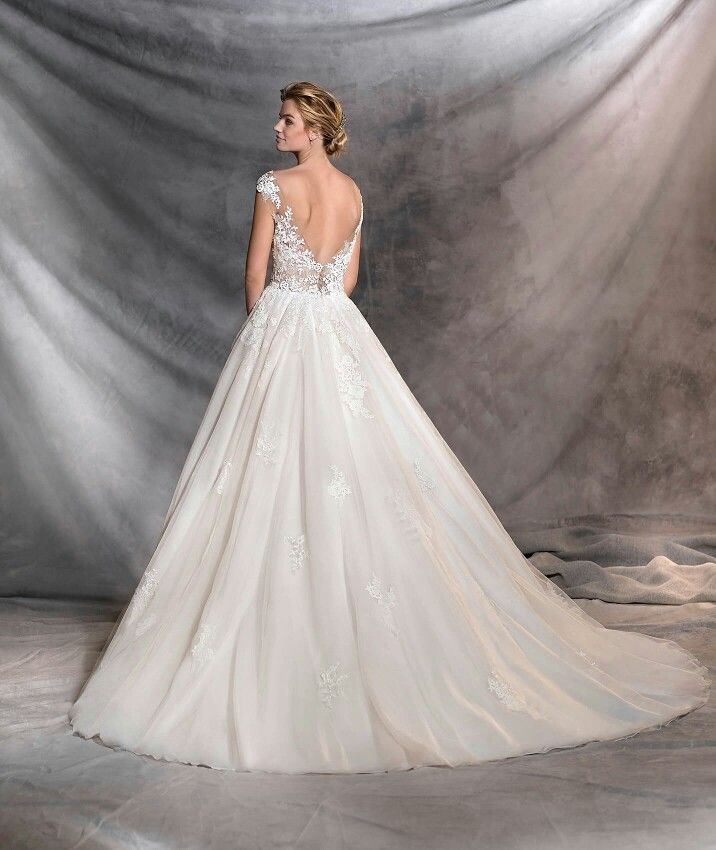 7f3f89ba Ofelia - Pronovias 2017   Here comes the... in 2019   Wedding ...