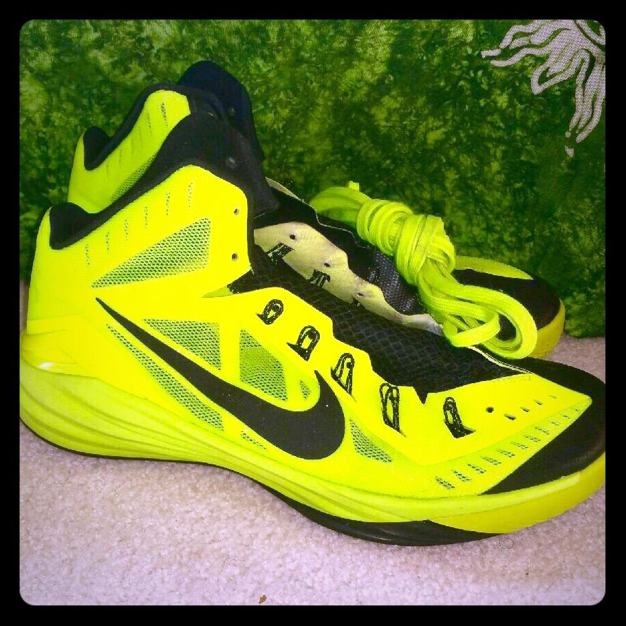 highlighter yellow nike shoes