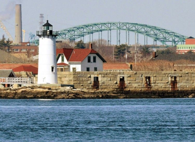 19 Quaint Lighthouses That Will Shed Light On The True Beauty of New England - AroundMe.com 16