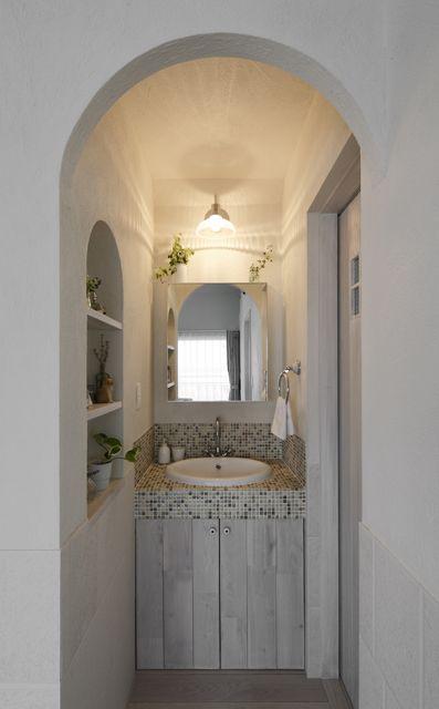 名古屋モザイク 『コスミオン』のモザイクタイル 洗面所を可愛らしく演出 |LOHAS studio|ロハススタジオ