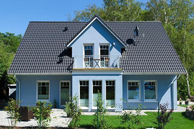 Blaue Häuser das blaue haus am meer frontansicht mein traumhaus schwedisch